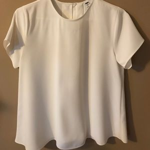 NWOT Uniqlo ivory crepe blouse in small